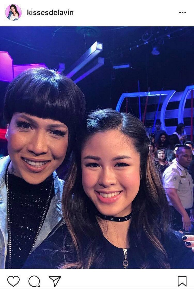 14 photos of Kisses that show she's the ultimate fangirl